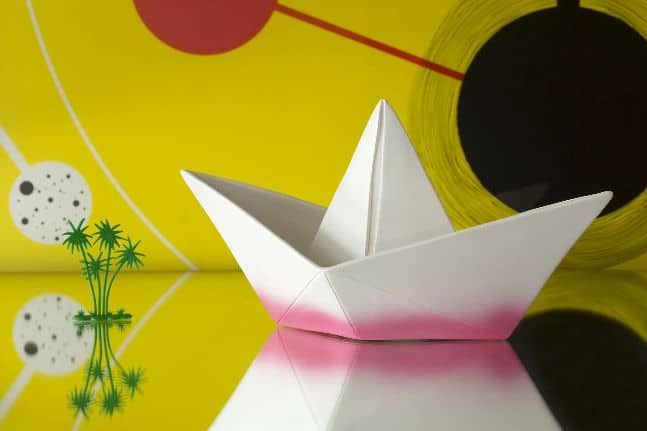 paper boat lamp lifestyle 2
