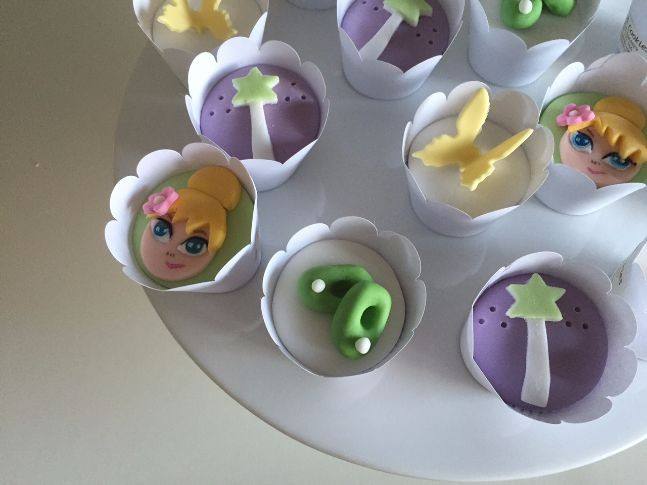 cup cakes  tinker bell