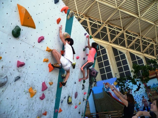 Summer camp OAKA Indoor climbing 7