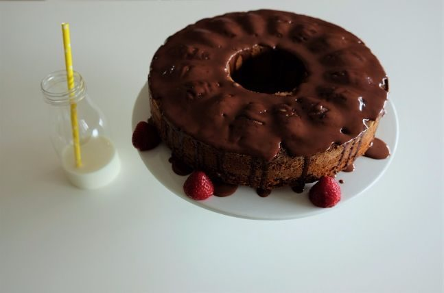 Cake with almonds 8