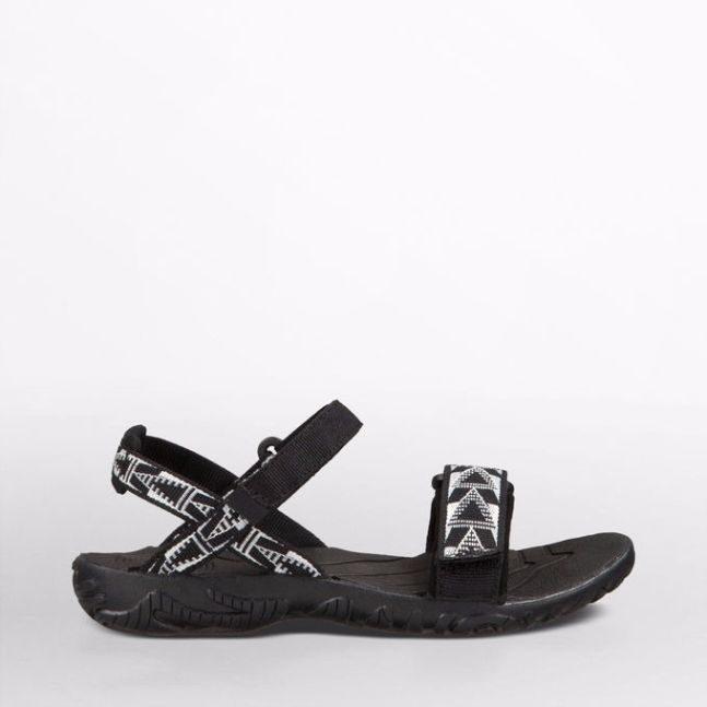 teva shoes nova 1