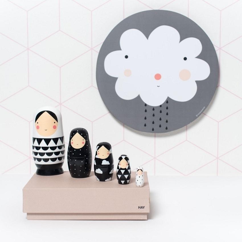 nesting dolls